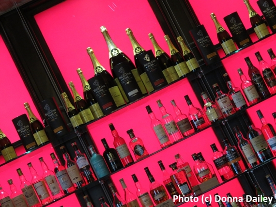 2016-03-06-1457267136-4172688-Dunstane_Boutique_Hotel_Edinburgh_bar_detail_angle.jpg