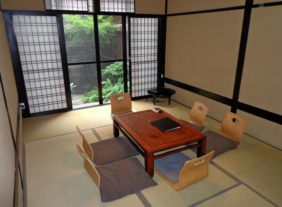 2016-03-08-1457441652-9655089-livingroom.jpeg