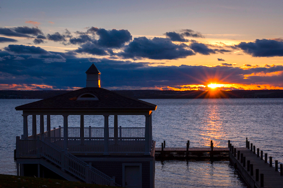 2016-03-13-1457908362-7773542-historicrowlandhousewaterviews.jpg