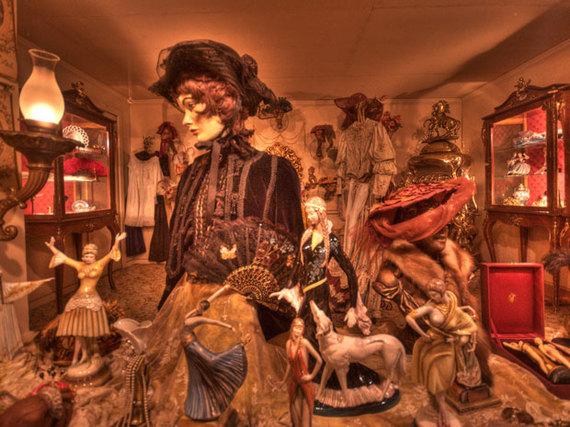 2016-03-17-1458230172-5586630-creepymuseums_houseontherock_JohnKroll.jpg