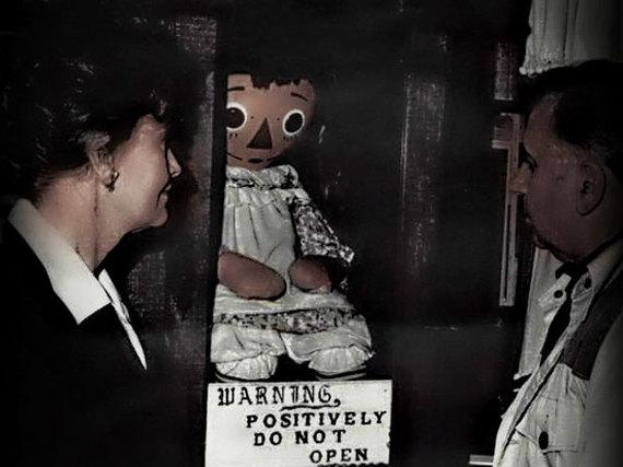 2016-03-17-1458230213-5079145-creepymuseums_annabelle.jpg