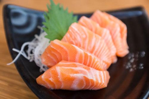 2016-03-18-1458338417-2755885-sashimi.jpg
