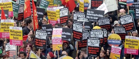 2016-03-21-1458598159-9702278-Refugeeswelcome.jpg
