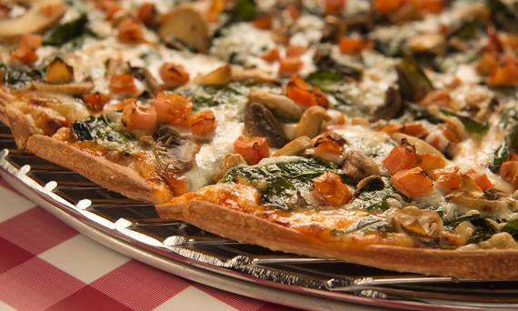 2016-03-22-1458655192-6846524-Pizza_2.jpeg