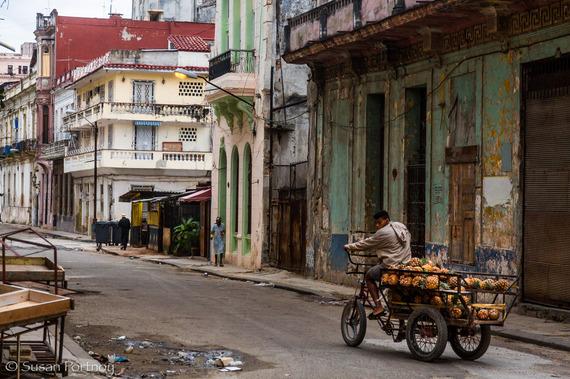 2016-03-22-1458676639-4821066-Roaming_Havana_sportnoy10.jpg