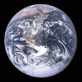 2016-03-23-1458738074-6270764-The_Earth_seen_from_Apollo_17.jpg