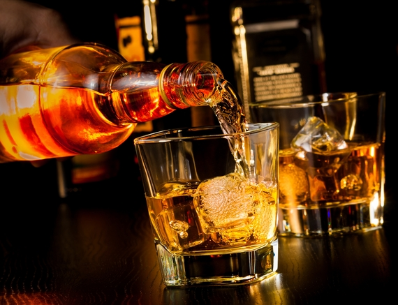 The Real Difference Between Whiskey, Bourbon, Scotch and ...