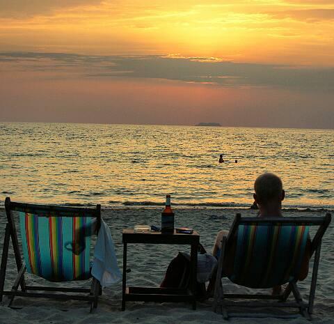 2016-03-25-1458903818-7892666-beachbarskohlanta.jpg