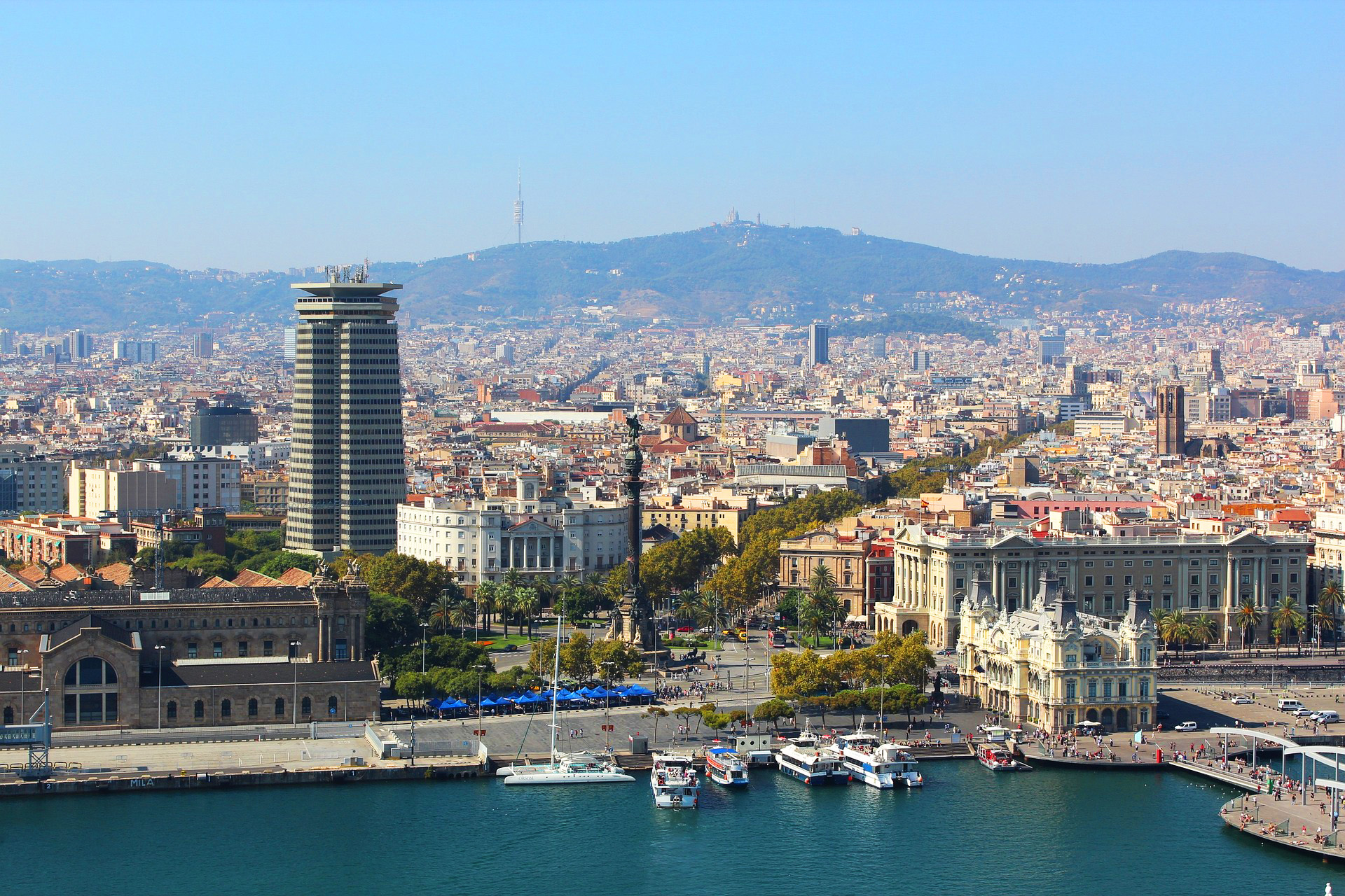 Cosmopolitan Living In Barcelona, Spain | HuffPost