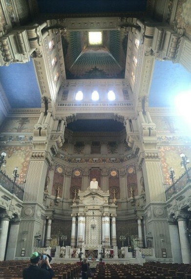 2016-03-30-1459356443-1928697-SynagogueofRome.jpg