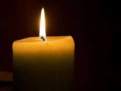 2016-03-31-1459425316-1864706-Candle_flame_11.jpg