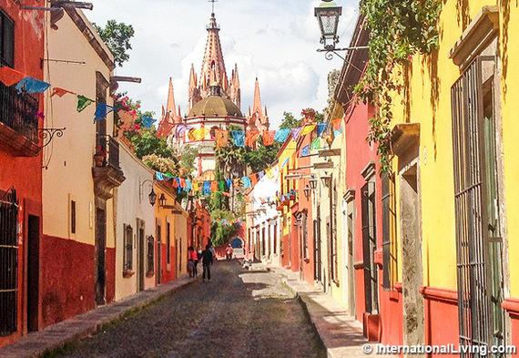 2016-04-01-1459537628-3947728-hpSanMigueldeAllendeMexico.jpg