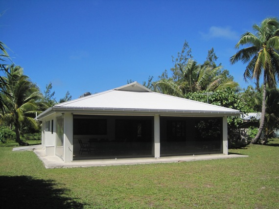 2016-04-04-1459781416-1664834-AitutakiHouse.jpg