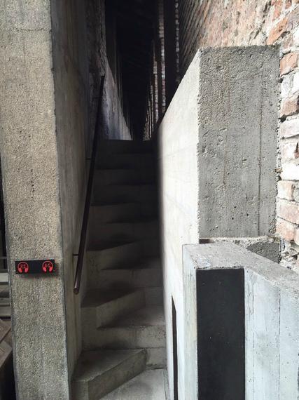 2016-04-04-1459800992-5603690-staircase.jpg