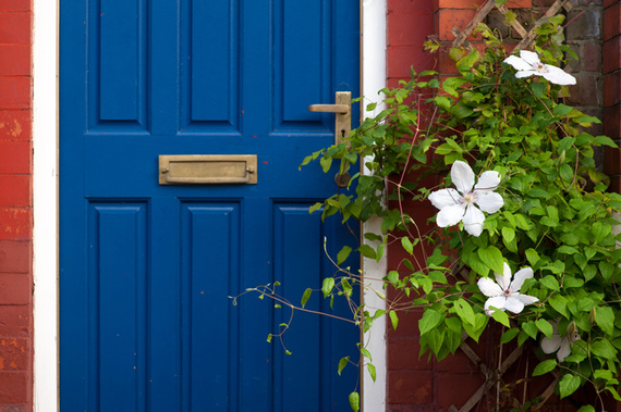 Selling Your Home? Don't Overlook the Value of Curb Appeal.