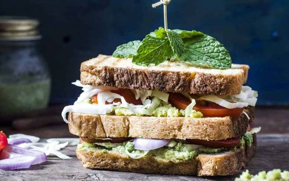 2016-04-06-1459943847-3231729-Vegetable_Sandwich_Recipe_with_Mashed_Avocado_and_Cottage_Cheese1_thumbnail_1280x800.jpg