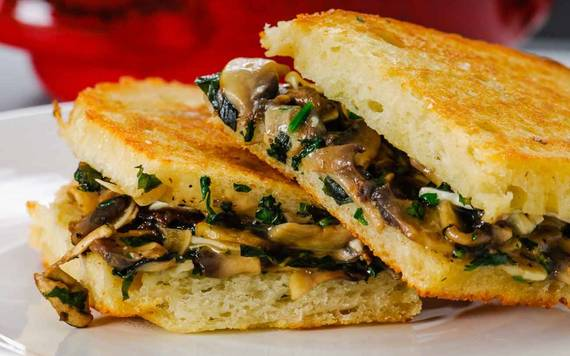 2016-04-06-1459944009-5929863-Grilled_Mushroom_Sandwich_Recipe_with_Herbs1_thumbnail_1280x800.jpg
