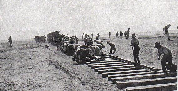 2016-04-09-1460165393-7567502-SinaiRailway_construction_across_the_Sinai_during_World_War_I_Aust_OH_Photo_597.jpg