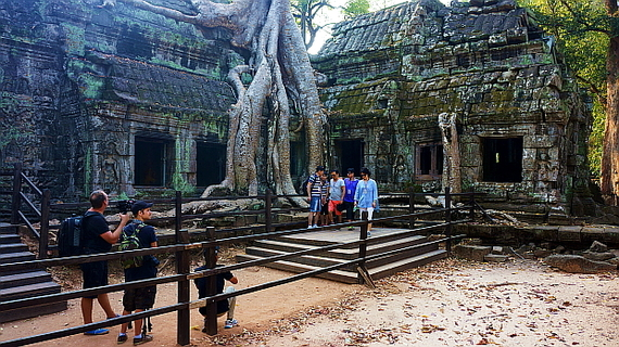 2016-04-11-1460378141-1471885-Angkor03880.JPG