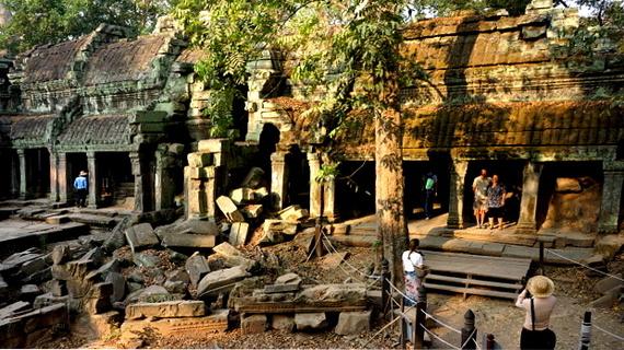 2016-04-11-1460378233-2481327-Angkor03883.JPG