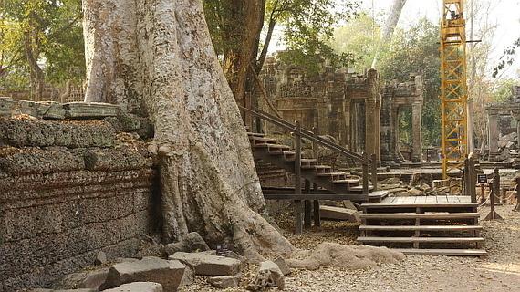 2016-04-11-1460378364-7913291-Angkor03890.JPG