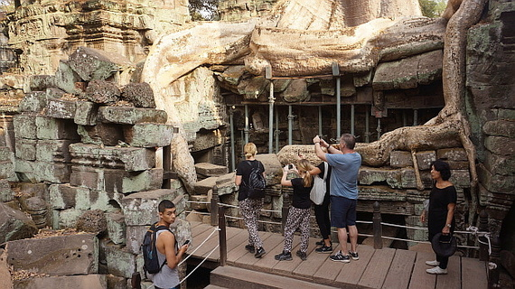 2016-04-11-1460378419-5904200-Angkor03892.JPG