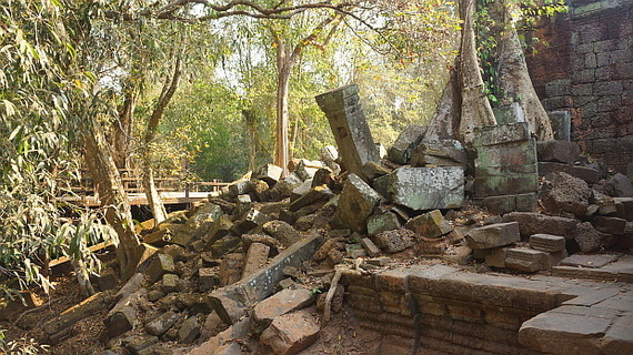 2016-04-11-1460378758-8640435-Angkor03932.JPG