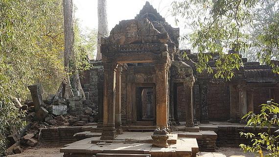 2016-04-11-1460378822-631651-Angkor03933.JPG