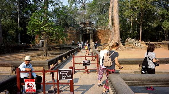 2016-04-11-1460378974-1108493-Angkor03928.JPG