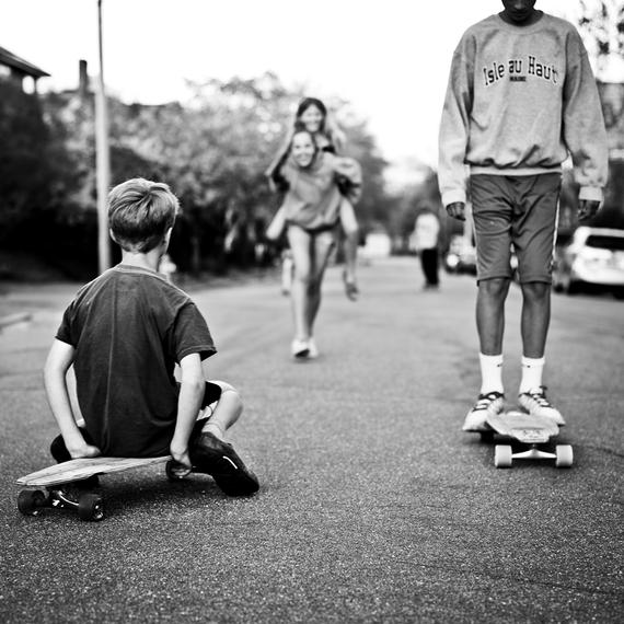 2016-04-11-1460386433-3267528-winky_lewis_skateboard.png
