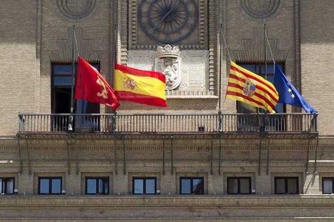 2016-04-13-1460565178-192167-banderas.jpg