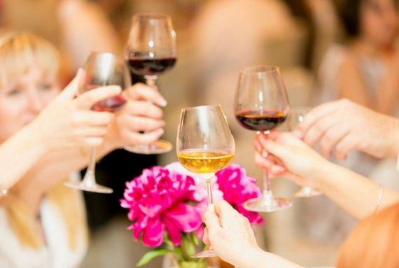 2016-04-14-1460656572-4531775-wine.jpg