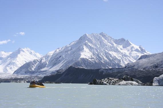 2016-04-15-1460724358-5853035-GlacierExplorersBoatTrip.jpg