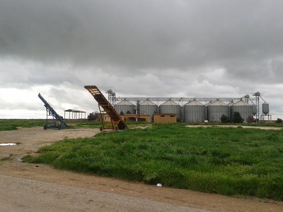2016-04-15-1460726278-1616002-silos.jpg