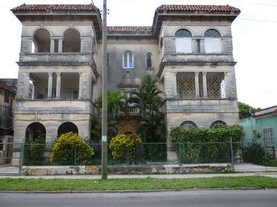 2016-04-15-1460730607-5300828-mansion.Vidado.jpg