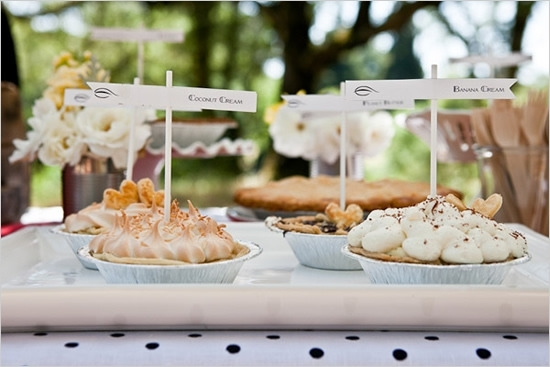 2016-04-15-1460738583-5791889-wedding_pie_dessert_station.jpg