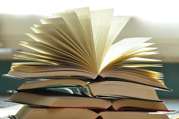 2016-04-15-1460747552-6588337-books1082942_640.jpg