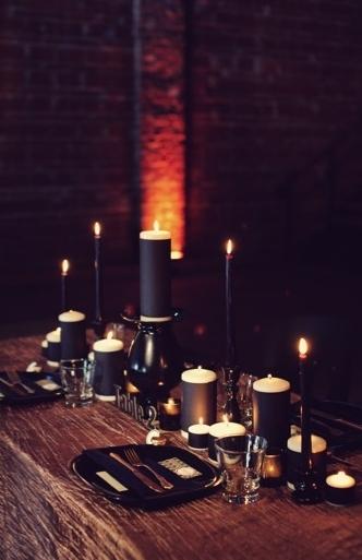 2016-04-15-1460757244-1997848-dark_dinnerware_wedding.jpg