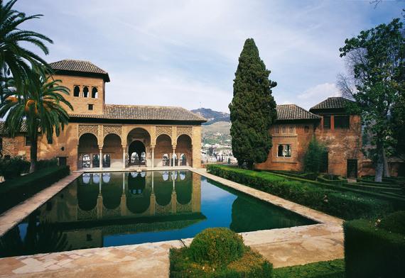 2016-04-18-1460977456-4964959-02_Granada_AlhambraElPartal_fc_PatronatoProvincialdeTurismodeGranada.jpg