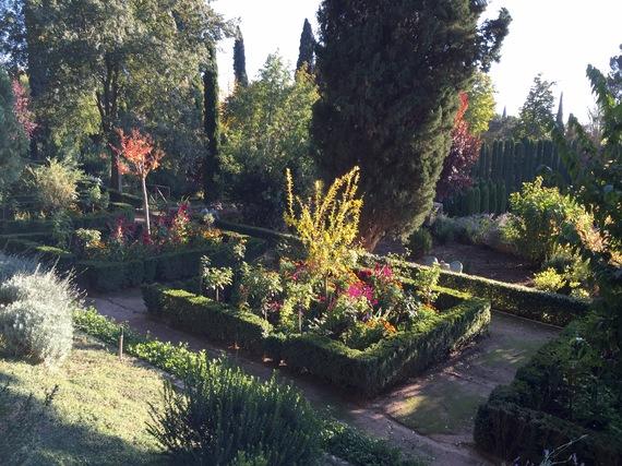 2016-04-18-1460977736-7295102-04_Granada_Alhambra_Garten_fc_UtaPetersen.jpg