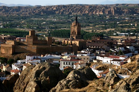 2016-04-18-1460978547-9329595-12_Granada_GuadixmtKathedrale_fc_InstitutfrTourismusinSpanienTURESPAA.jpg