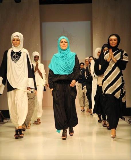 2016-04-19-1461070076-7387668-Islamic_fashion1.jpg