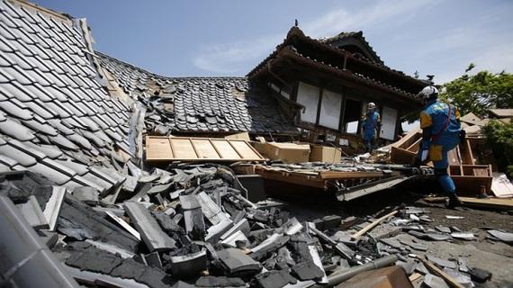 2016-04-21-1461199377-7577295-Japaneseearthquakessendripplesthroughautoindustry.jpg