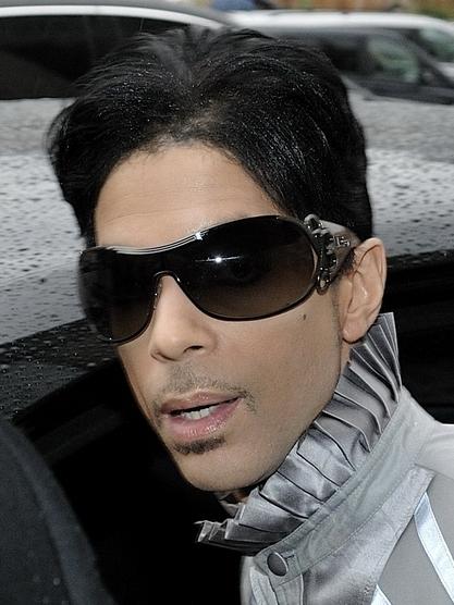2016-04-21-1461262689-5401906-Prince.jpg