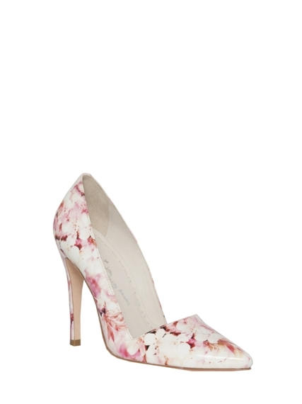 2016-04-21-1461271275-7542556-alice_and_olivia_shoes.jpg