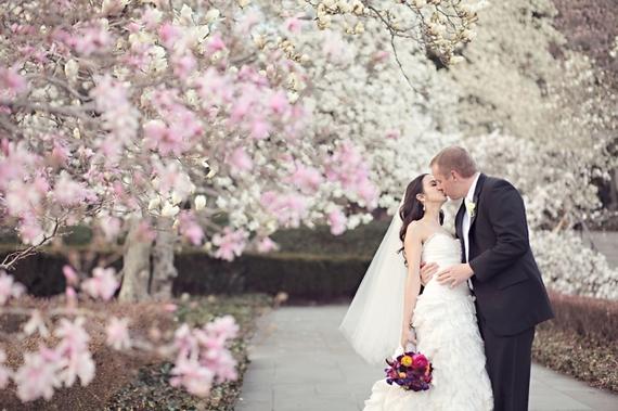 2016-04-21-1461271406-8827128-kiss_blossom_wedding.jpg
