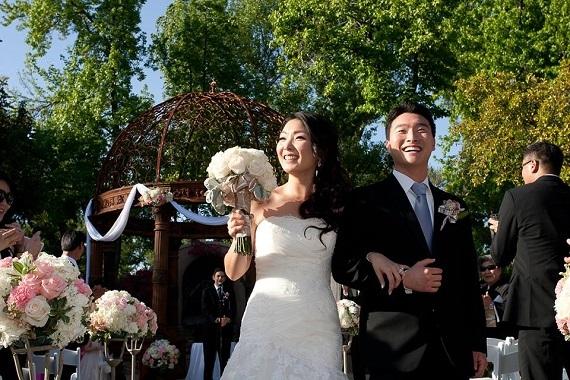 2016-04-22-1461303011-9396368-WeddingPhoto.jpg
