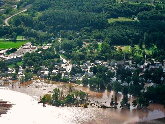 2016-04-22-1461352172-1991100-flood_570.jpg