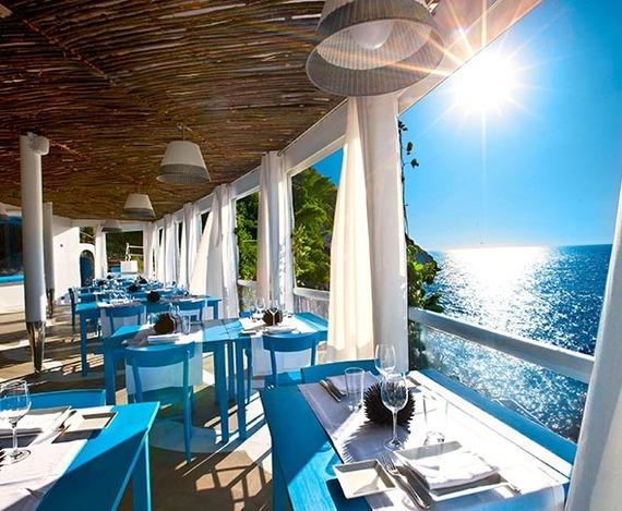 2016-04-23-1461454036-8692595-CapriPalacehotel.jpg
