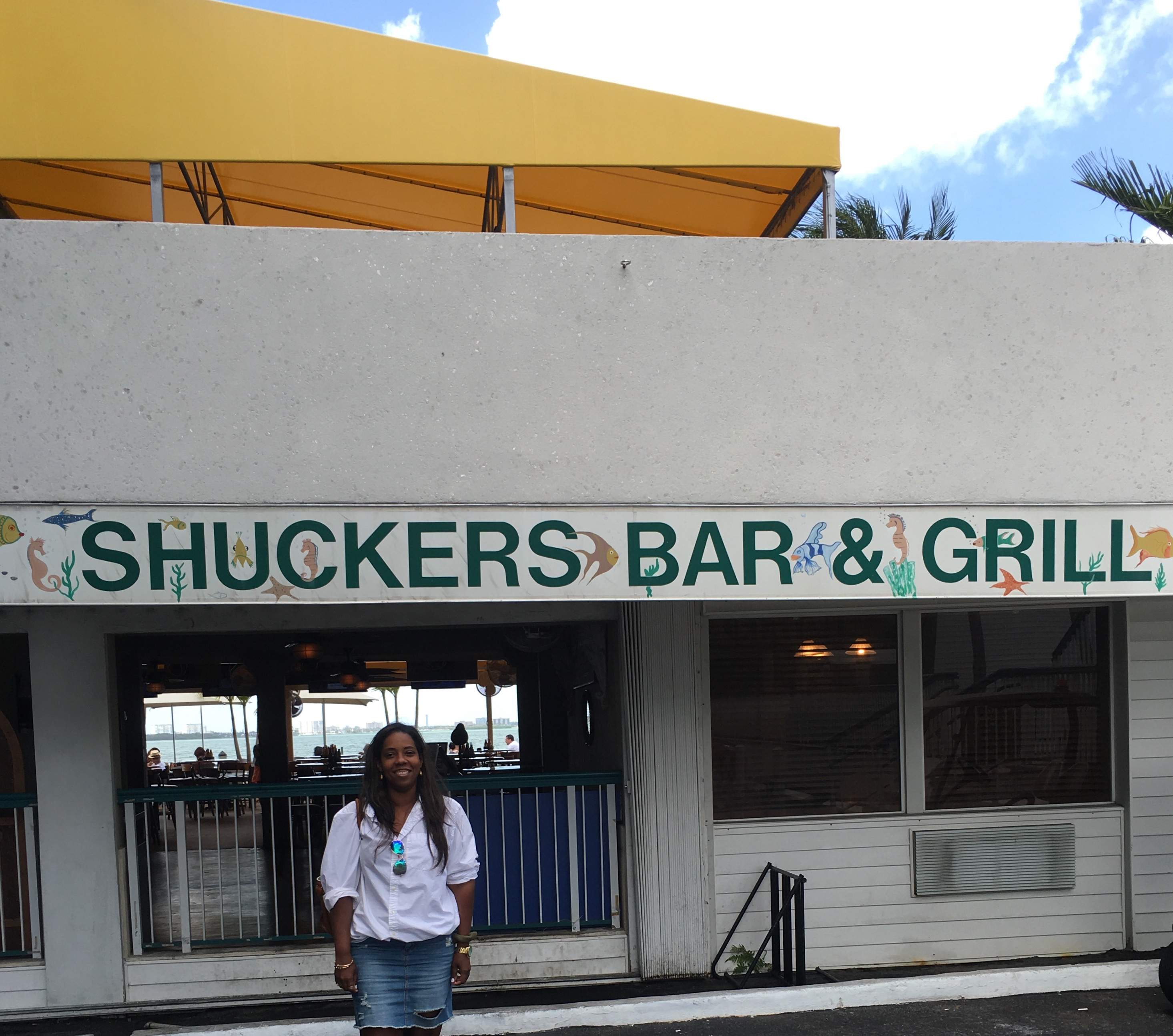 Shuckers bar and grill miami huffpost - Restaurant bar and grill ...